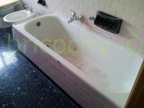 Pulire vasca da bagno ingiallita